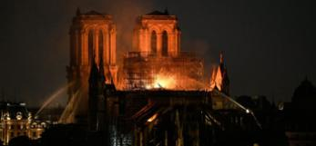 Notre Dame de Paris, copyright Bertrand Guay, AFP, 15 april 2019